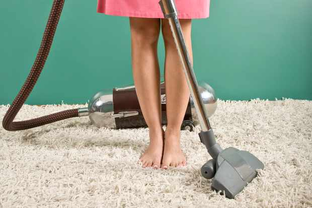 brilliant-carpet-cleaning-hacks-and-tips-from-parents-whove-been-there_211115