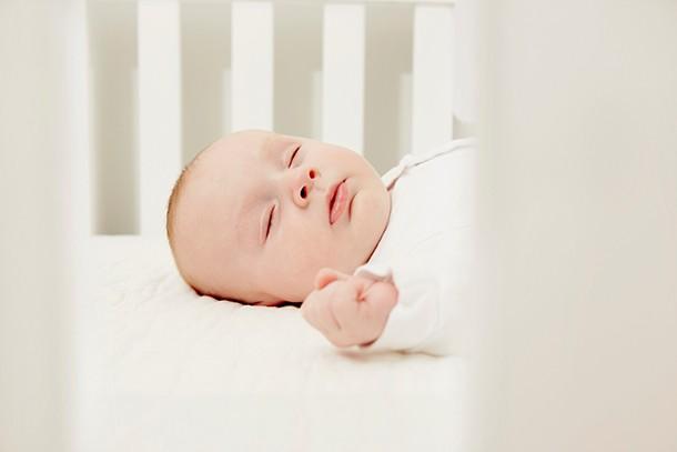 can-i-put-my-babys-crib-near-a-radiator_215289