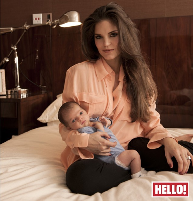 1ee9e6376e31 Carly Cole introduces baby Harrison - MadeForMums