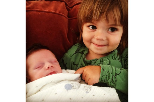 celeb-kids-bonding-with-their-younger-siblings-so-cute_129107