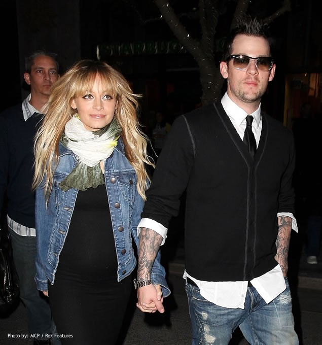 celebrity-couple-hit-out-as-paparazzi-scare-their-toddler_4503