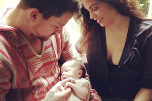 channing-tatum-steals-the-show-with-baby-pic_56666