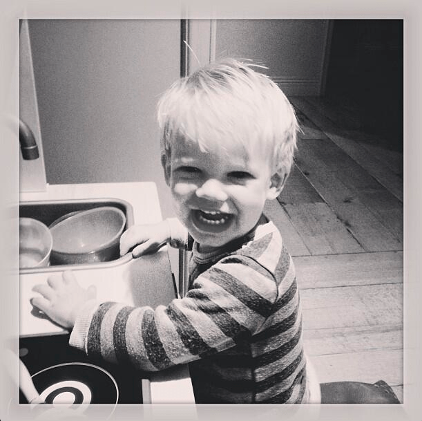 chef-in-the-making-hilary-duffs-son-gets-to-work-in-the-kitchen_49396