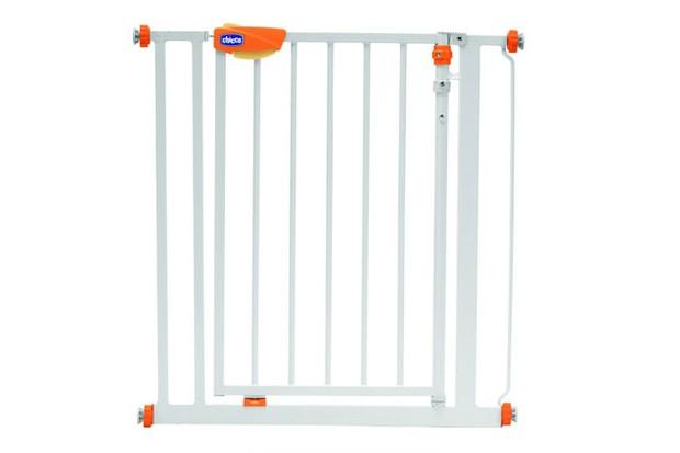 chicco-nightlight-safety-gate_16253