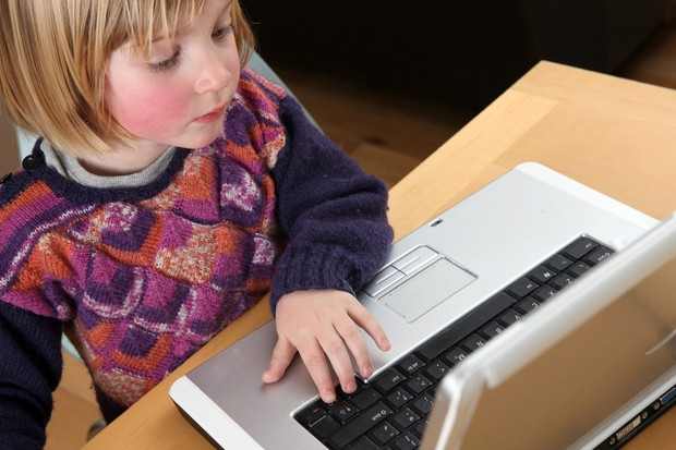 children-view-unsuitable-websites-but-turn-to-parents-for-support_13127