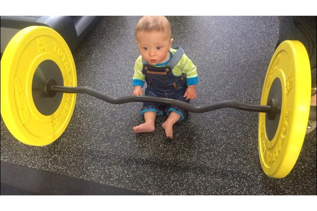 chris-hoys-baby-lifts-weights-at-the-gym_127937