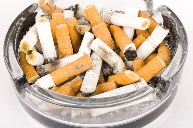 cigarette-smoke-in-your-clothes-could-harm-your-baby_6794
