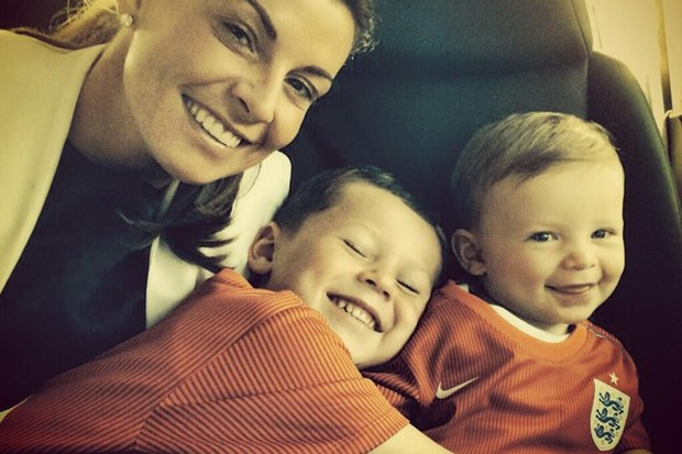 coleen-rooney-and-boys-in-twitter-row-for-supporting-wayne-in-brazil_56318