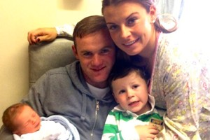 coleen-rooney-gives-birth-to-second-son-_56775