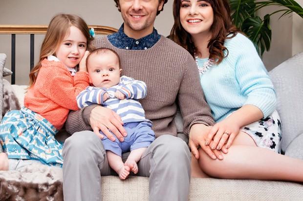 corries-jack-p-shepherd-pictured-with-newborn-baby-reuben_52167