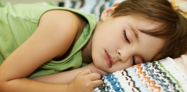 could-your-childs-bed-wetting-be-caused-by-constipation_32883