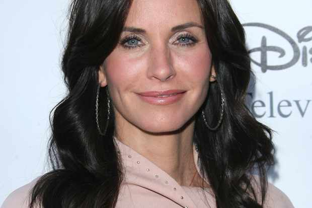 courteney-cox-and-david-arquettes-daughter-bullied_7006