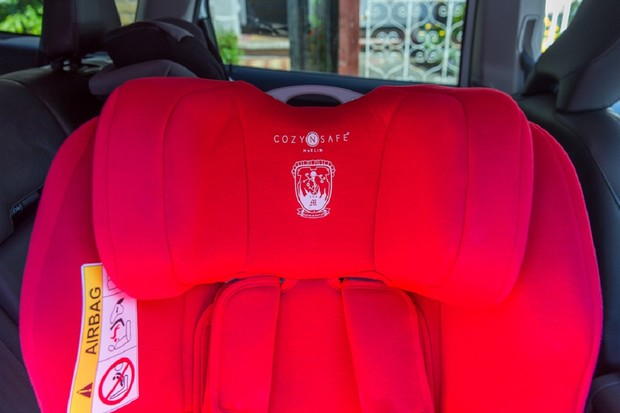 Cozy N Safe Merlin car seat has a well-cushioned head rest