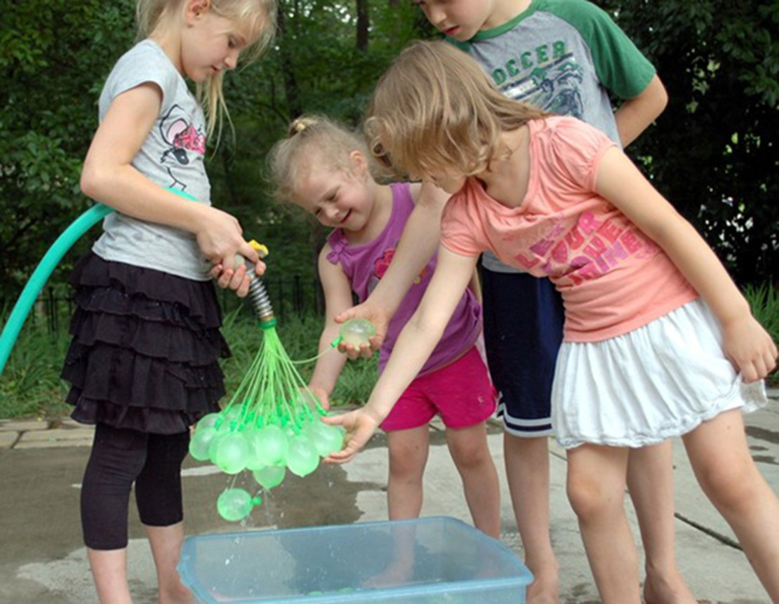 creative-dad-invents-way-to-make-100-water-balloons-a-minute_58693
