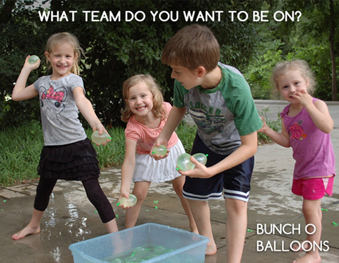 creative-dad-invents-way-to-make-100-water-balloons-a-minute_58694