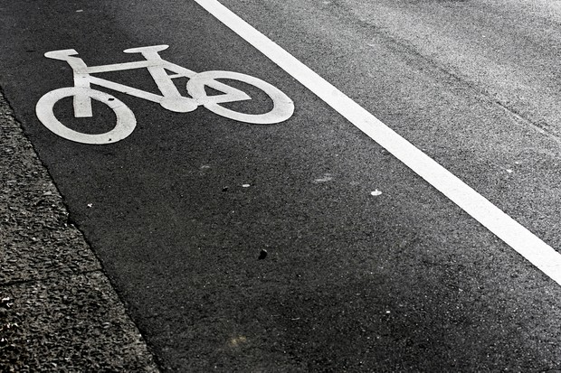 dad-fined-for-cycling-with-toddler-on-his-bicycle_27291