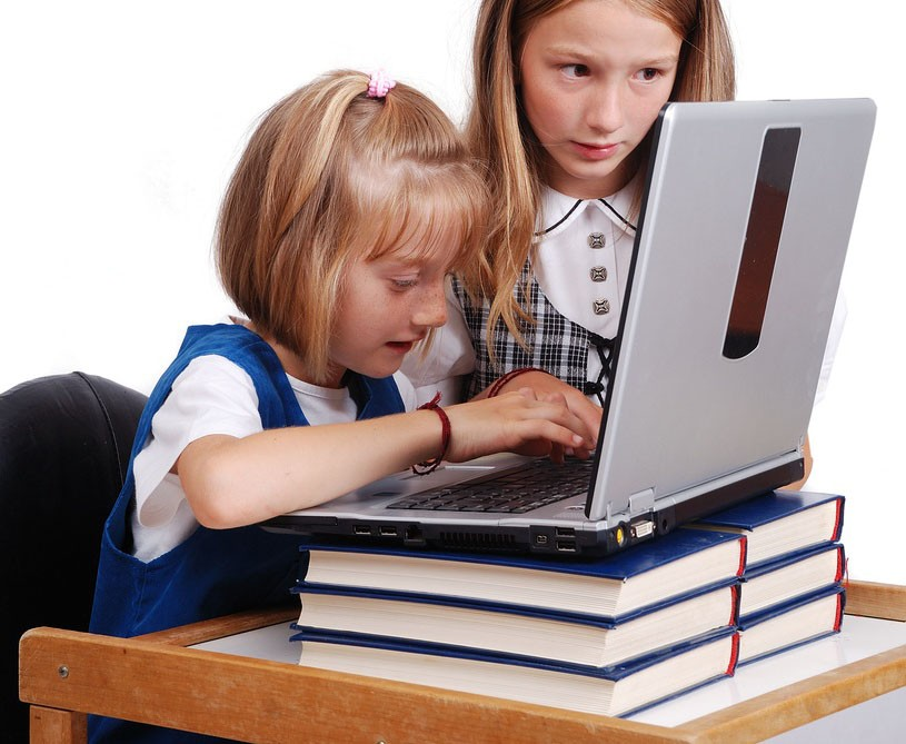 david-cameron-backs-move-to-protect-kids-from-inappropriate-websites_7515