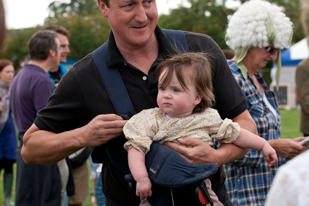 david-cameron-spotted-with-baby-florence-at-festival_27646