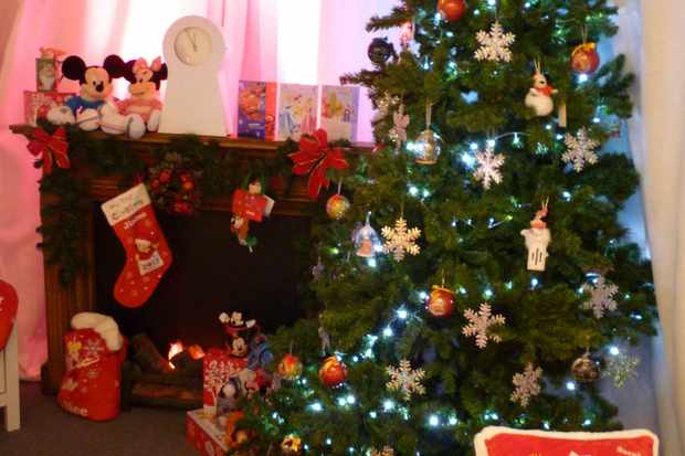 dear-santa-please-stop-by-the-disney-store-on-your-way-to-ours_23934