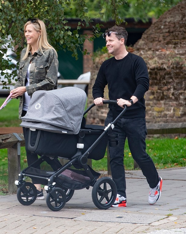 dec-donnelly-reveals-his-bang-on-trend-buggy-for-baby-isla_207603