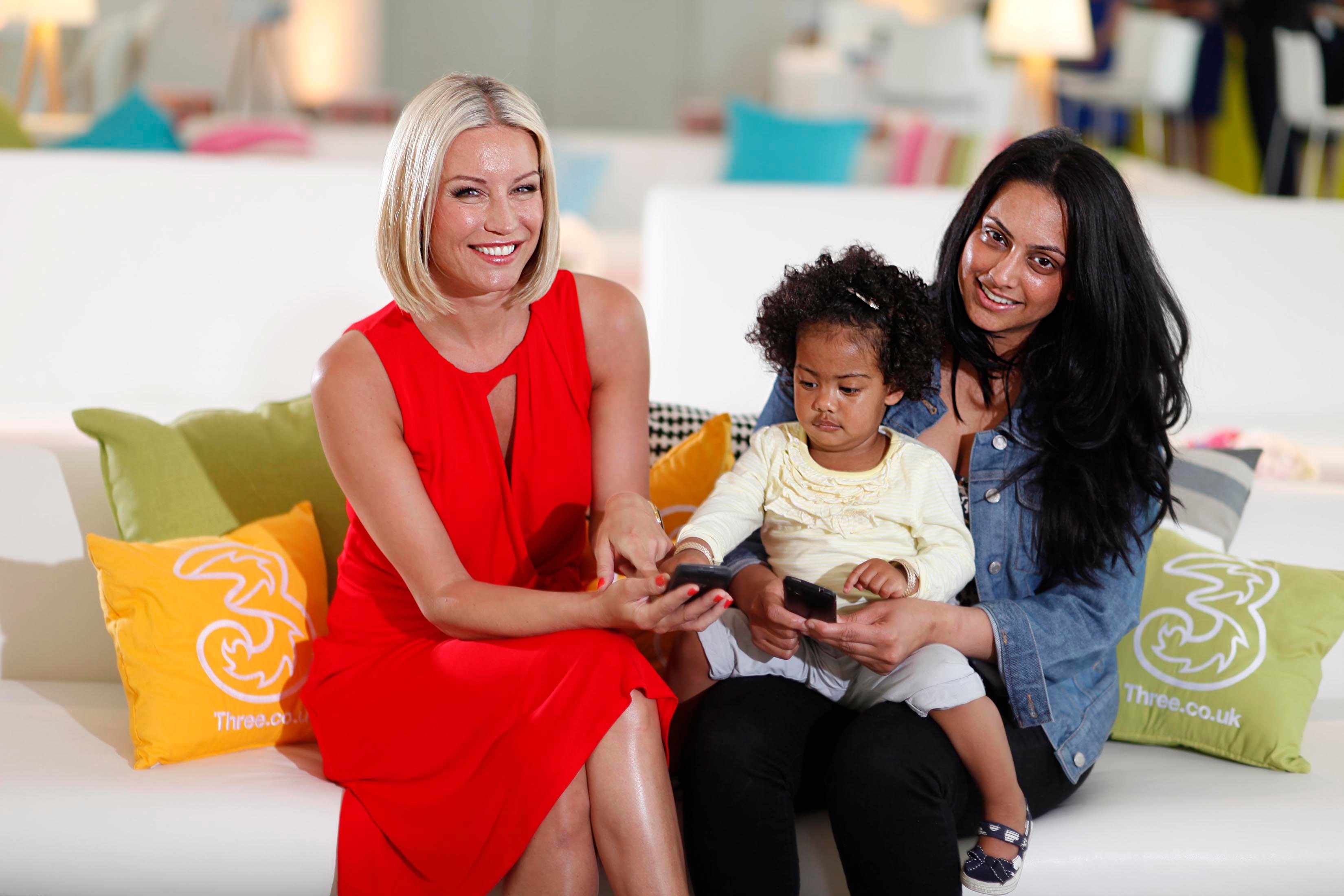 denise-van-outen-reaches-out-to-midnight-mums_21678
