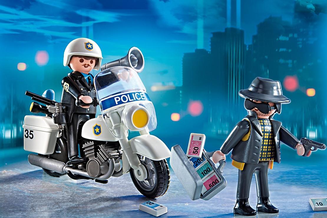 do-these-playmobil-toys-glorify-crime_82291