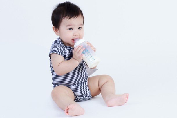 dropping-milk-feeds-at-10-to-12-months_60390