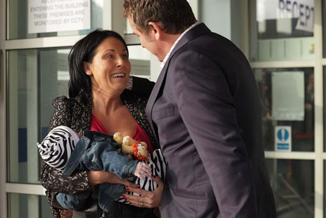 eastenders-baby-swap-storyline-comes-to-an-emotional-end_20794