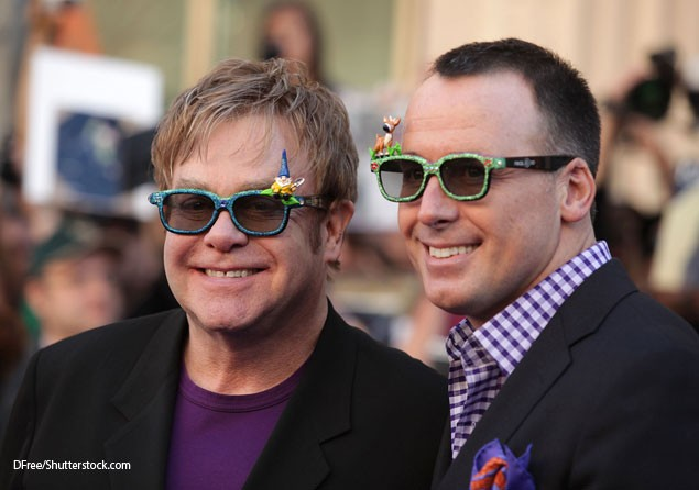 elton-john-worries-his-son-has-no-mother_39499