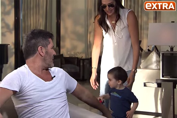 eric-cowell-crashes-dads-interview-in-the-cheekiest-way_134221
