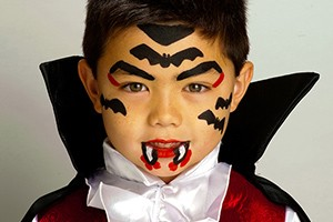 face-paint-little-vampire-step-by-step_61112