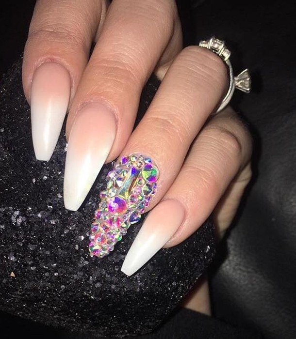 fake-nails-and-newborns-can-you-do-it_nails