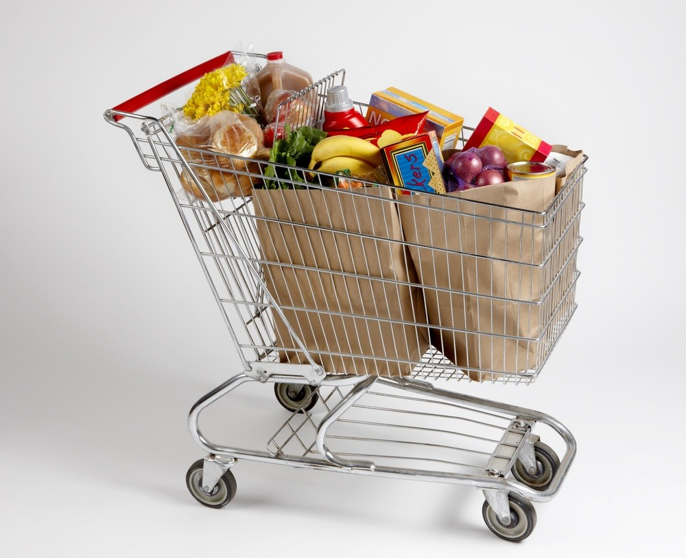 family-christmas-food-shopping-weighs-60kg_18305