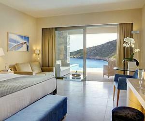 family-holiday-review-daios-cove-crete_40517