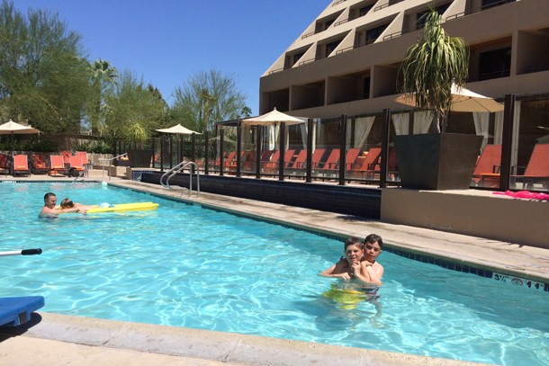 family-holiday-review-palm-springs-california_81194