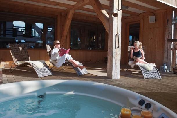 family-ski-holiday-review-ferme-du-ciel-at-samoens-france_216736