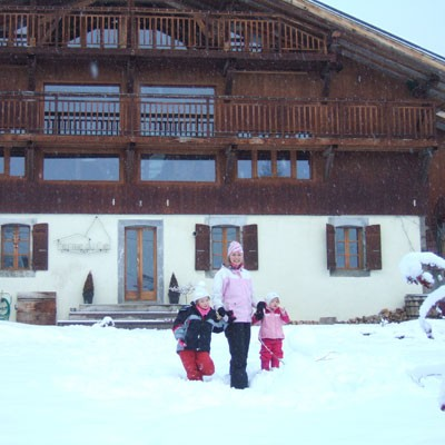family-ski-holiday-review-ferme-du-ciel-at-samoens-france_70831