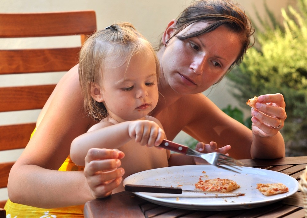 feeding-a-child-with-a-soya-allergy_18140