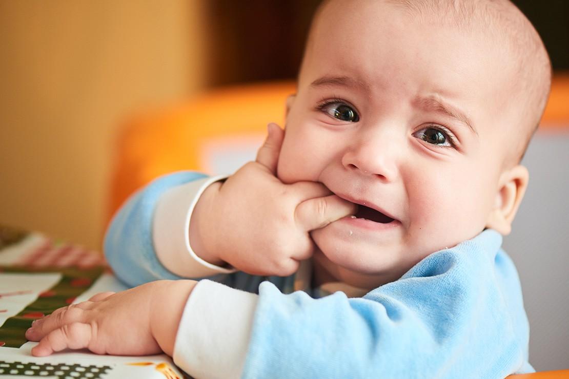 feeding-a-teething-baby_152326