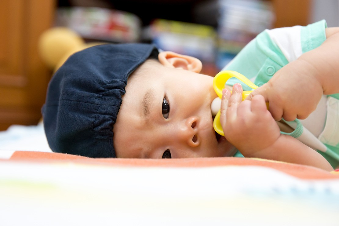 feeding-a-teething-baby_152331