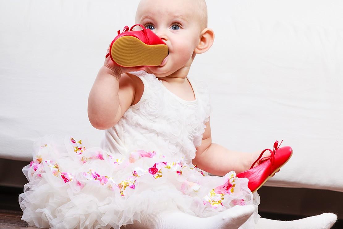 feeding-a-teething-baby_152332