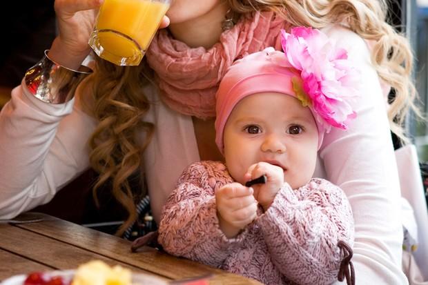 feeding-your-baby-on-the-go_18101
