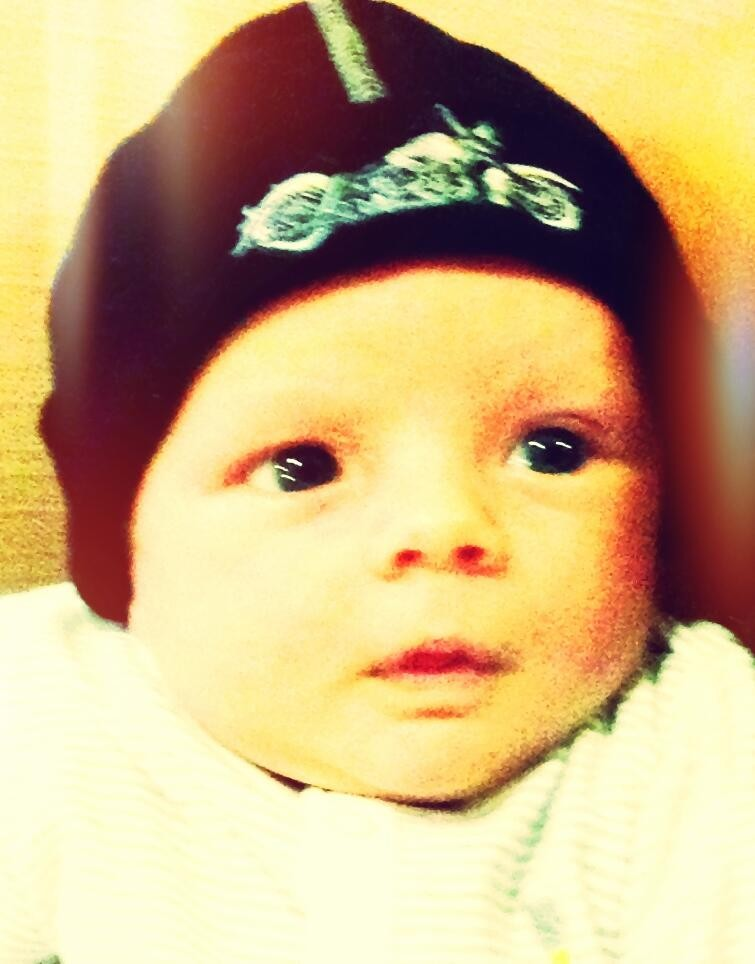 fergies-son-axl-learns-life-lessons-in-sons-of-anarchy-beanie_49985