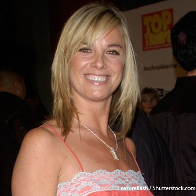 fifty-shades-of-grey-helps-pregnant-tamzin-outhwaite_73055