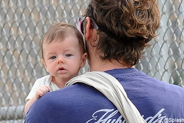 first-look-at-alicia-silverstones-baby-bear_25306