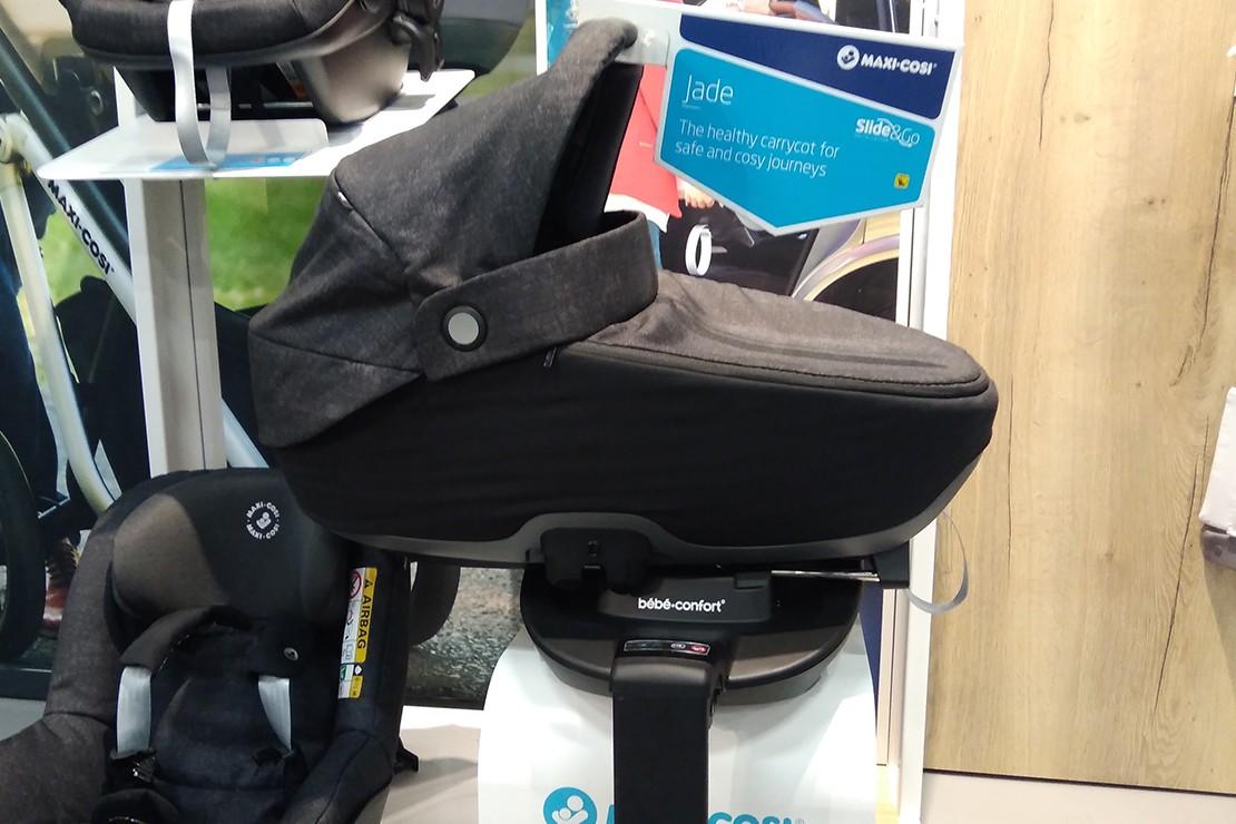 Maxi-Cosi Jade lie-flat carrycot and car seat