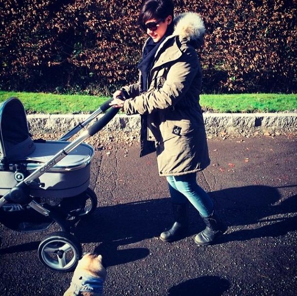 frankie-sandford-chooses-an-icandy-buggy_52179