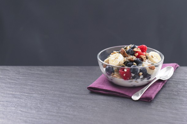 fruit-and-nut-yoghurt_143219