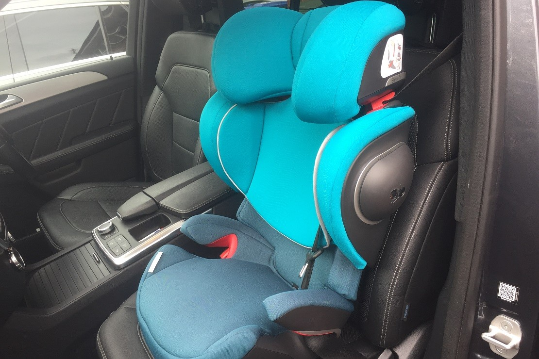 The GB Elian-fix is a striking Group 2/3 car seat