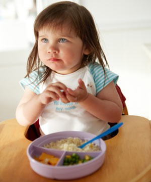 get-your-toddler-to-try-new-foods_70542